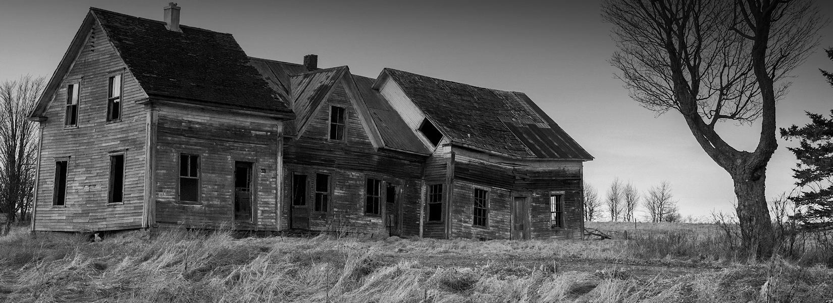 Abandoned houses in the Eastern townships