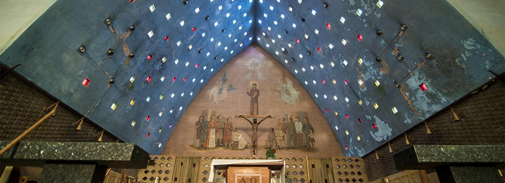 L'église aux vitraux cubiques