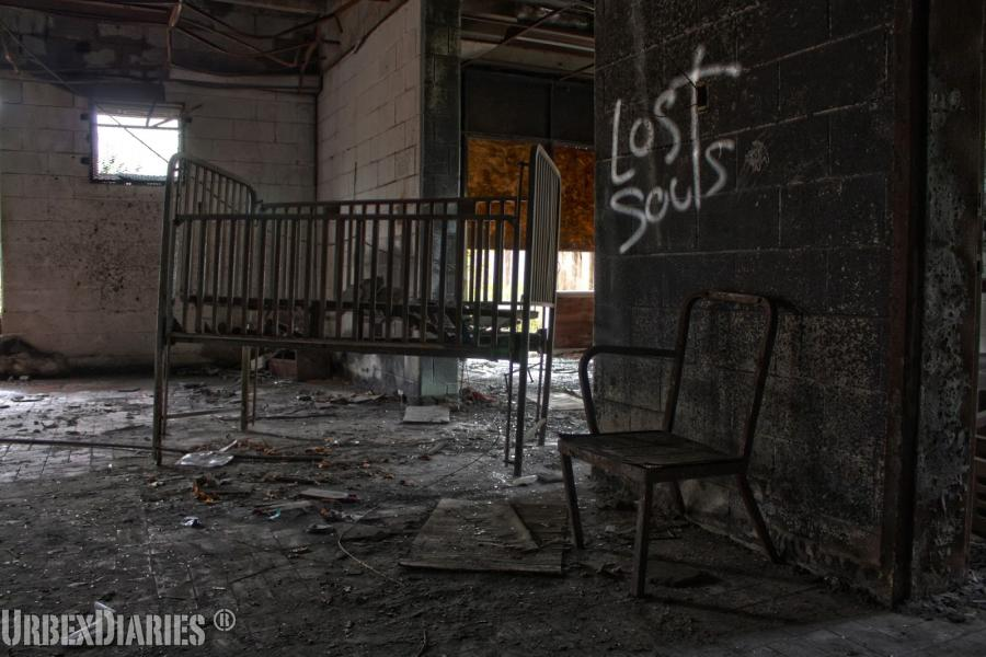 the abandoned forest haven asylum urbex playground. Black Bedroom Furniture Sets. Home Design Ideas