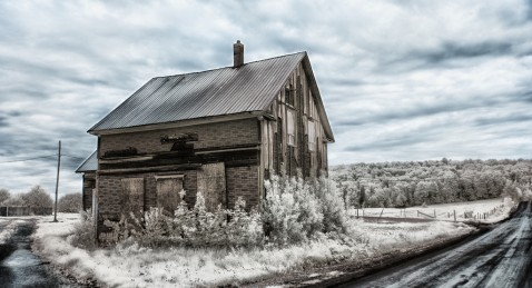 Abandoned houses in the Beauce area - Photo by Sous l'oeil de Sylvie